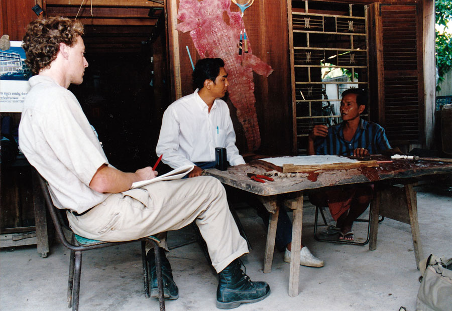 Peter Maguire with Tuol Sleng Prison survivor Im Chan, 1994